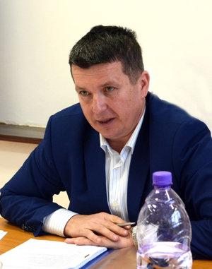 Starosta. Mareka Kažimíra poslanci vinia za súčasný stav.