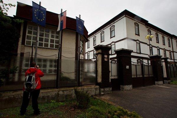 Oficiálne sídlo Slovenskej informačnej služby v Bratislave na Vajnorskej ulici.