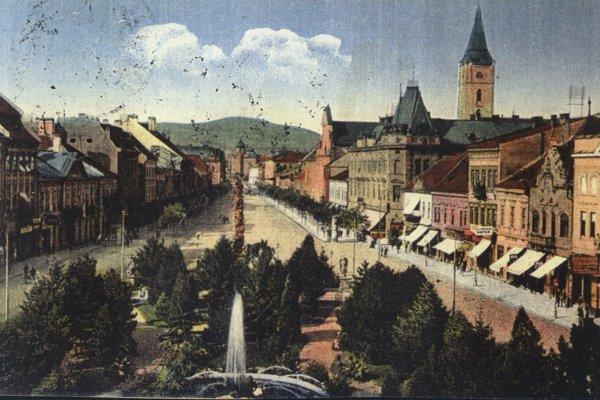 Pohľad na severnú časť Hlavnej ulice začiatkom 20. storočia.