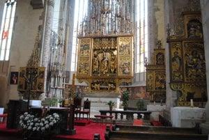 Bazilika sv. Jakuba vLevoči. Obdivovaný je najvyšší gotický oltár na svete zdielne Majtra Pavla.