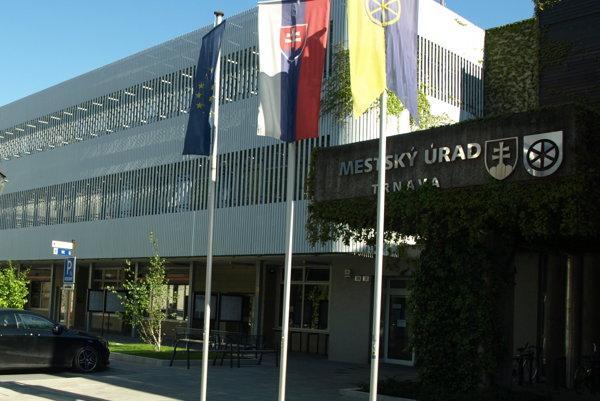 Mestský úrad otvára od začiatku októbra skôr.