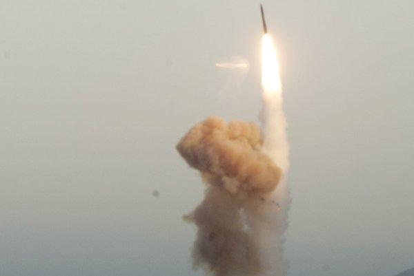 Odpálená medzikontinentálna balistická raketa Minuteman III.