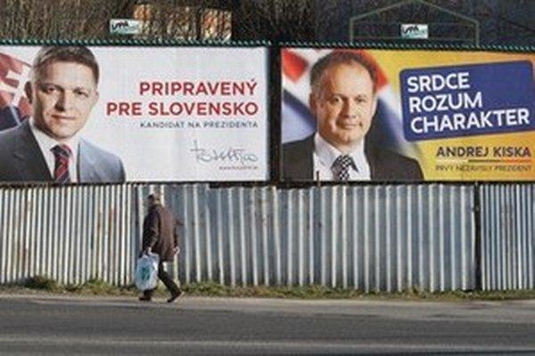 Bilbordy prezidentských kandidát Roberta Fica a Andreja Kisku v Banskej Bystrici.