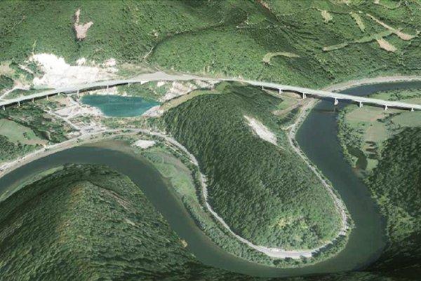 Pôvodná trasa prechádzala z ľavej strany jazera v kameňolome, kde je veľký zosuv pôdy.