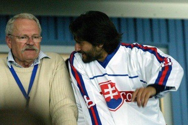 Ivan Gašparovič na hokeji s Róbertom Kaliňákom.