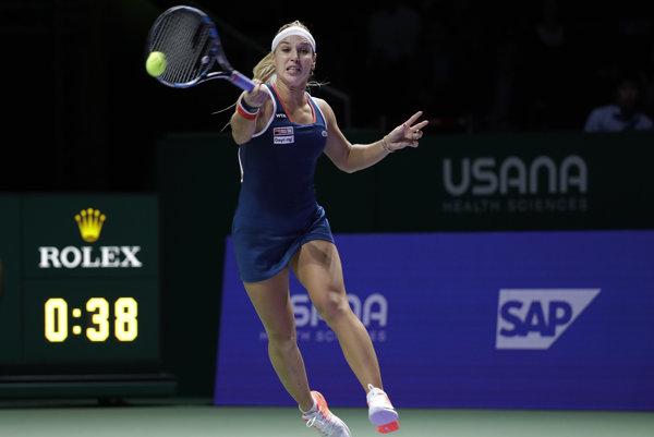 Dominika Cibulková prehrala v Singapure oba doterajšie zápasy, stále však má šancu postúpiť.