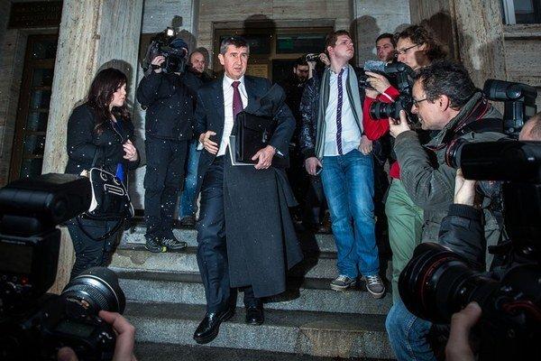 Prešiel. Andrej Babiš sa dostavil na súd už ako český minister.
