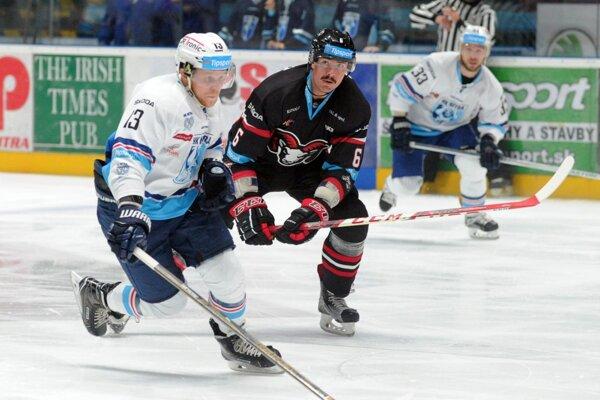 Michal Krištof má po 17 odohraných zápasoch na svojom konte 16 kanadských bodov (6+10).