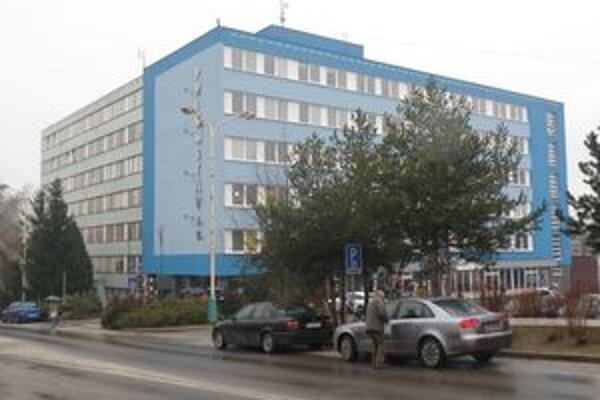 Raz by celý mohol celý mestský úrad sídliť v tejto budove.
