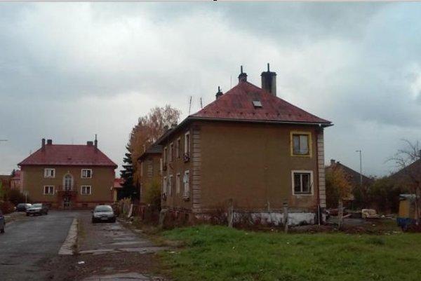 Mestská bytovka na Sládkovičovej ulici.