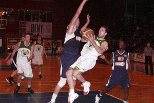 Prievidzskí basketbalisti nedávno vyhrali v Pezinku. Toto víťazstvo BC však bude anulované.