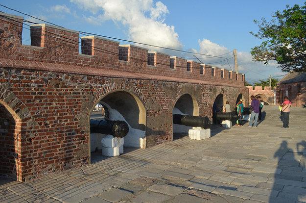 Zachované časti pevnosti Charles v Port Royal.