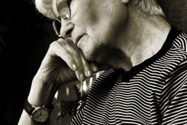 S pribúdajúcim vekom stúpa riziko Parkinsonovej choroby.