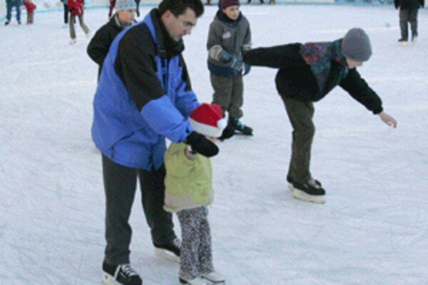 Korčuľovať už môžu aj obyvatelia Handlovej.