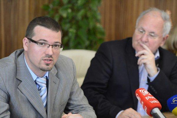 Pavol Kučmáš (vľavo).