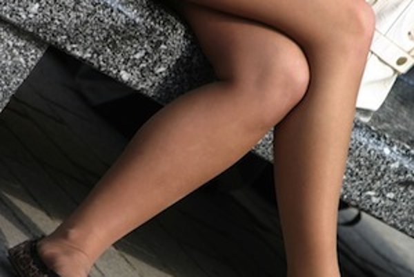 Či už máte, alebo nemáte problémy s varixmi, dávajte si pozor, aby ste pri sedení nemali prekrížené nohy.