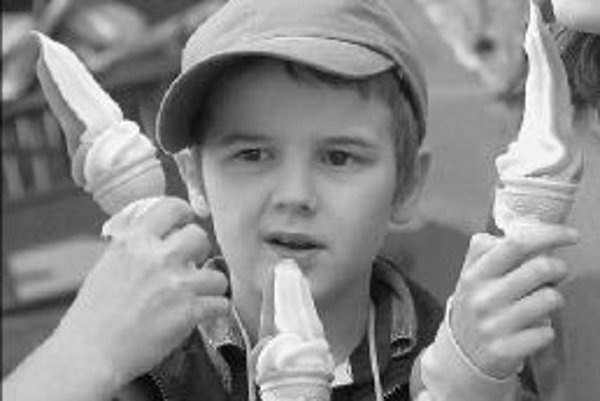 Podľa lekárov zmrzlina nespôsobuje angínu, preto ju môžeme pokojne konzumovať aj v zime. ILUSTRAČNÉ