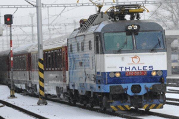 Na niektorých trasách prestanú vlaky premávať úplne, niekde ich zas bude jazdiť menej.