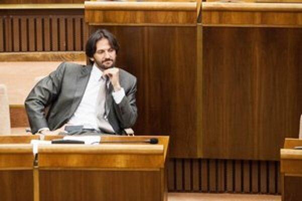 Ešte v stredu minister vnútra Robert Kaliňák problém nevidel.
