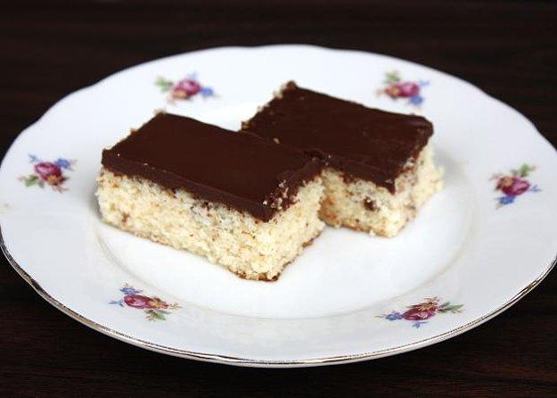 Jednoduchý kokosovo-čokoládový koláč bez múky