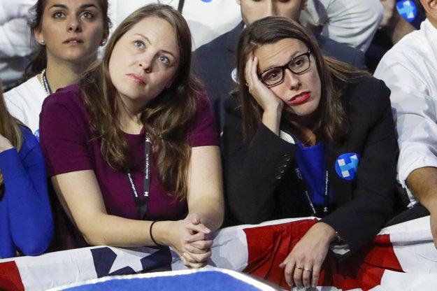 V Clintonovej tábore vládne zatiaľ sklamanie.