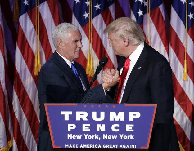 Viceprezident USA Mike Pence (vľavo) a prezident Donald Trump.