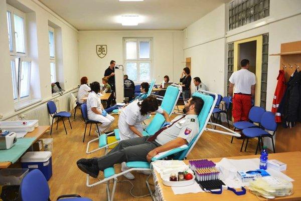 Krv prišlo darovať 22 záujemcov.