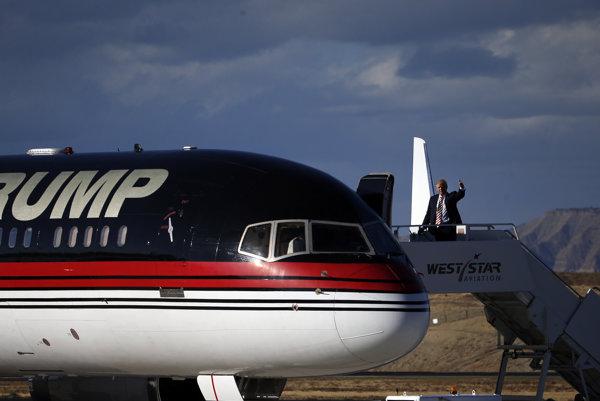 Ilustračná foto, Trumpove lietadlo počas kampane v roku 2016.