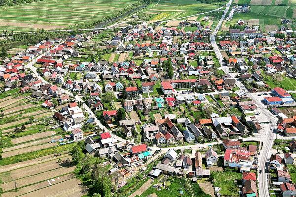 V dedine sa je takmer štyridsať ulíc.