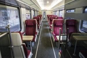 Interiér štátnych IC vlakov.