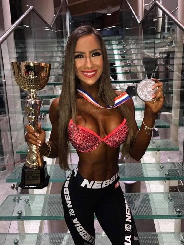 Timea Trajteľová s trofejmi po majstrovstvách sveta v Poľsku
