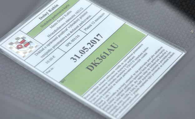 Služobná parkovacia karta.