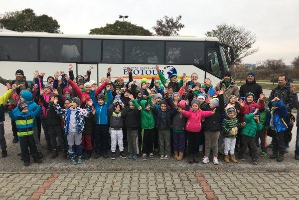 Na ligu cestovali vdvoch autobusoch.