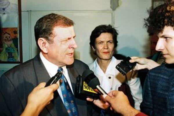 Vladimír Mečiar v roku 1994 robil škandál z toho, že jeho meno nebolo na voličských zoznamoch.