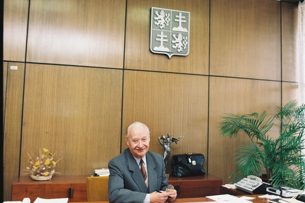 Alexander Dubček bol v rokoch 1990 až 92 predsedom federálneho parlamentu.