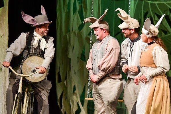 Smelý Zajko prichádza na divadelné dosky.