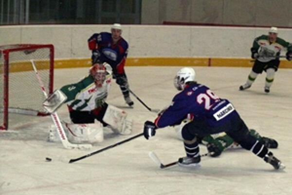Prievidzskí hokejisti majú po ôsmich zápasoch na konte štyri víťazstvá a štyri prehry.