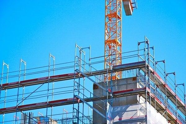 Tento rok zatiaľ nebolo veľa mesiacov, kedy by stavebníctvo prešlo do rastu.