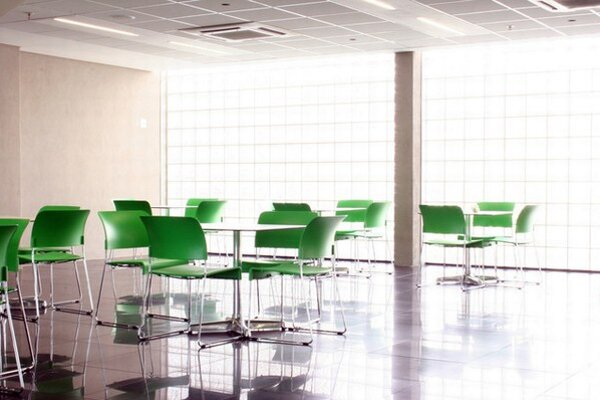 Podľa štatistík Kancelárskeho fóra takmer 226 000 štvorcových metrov bratislavských kancelárií zostáva neobsadených. To je viac ako 13 percent plochy.