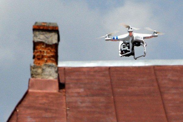Aj drony môžu odhaliť, kto staval načierno. Zatiaľ ich má len pár obcí.