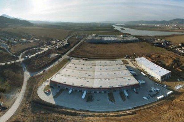 Plno je aj v priemyselnom parku P3 Žilina, priestor je ešte pre výstavbu na mieru.