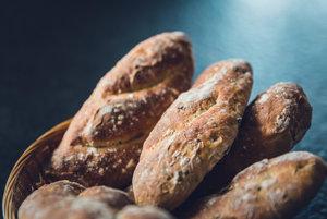 Krajec celozrnného pečiva má v sebe necelé 2 gramy vlákniny.