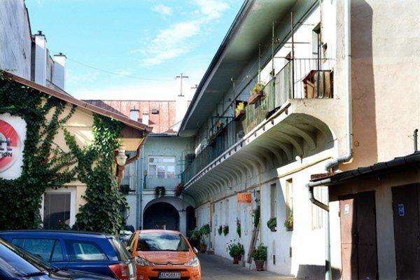 Jeden z reštituovaných domov v centre Košíc.