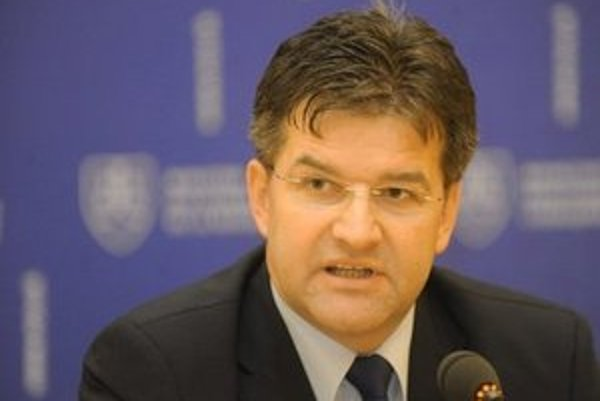 Šéf slovenskej diplomacie Miroslav Lajčák je na návšteve Cypru.
