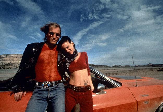 S Woodym Harrelsonom v snímke Takí normálni zabijaci (1994).