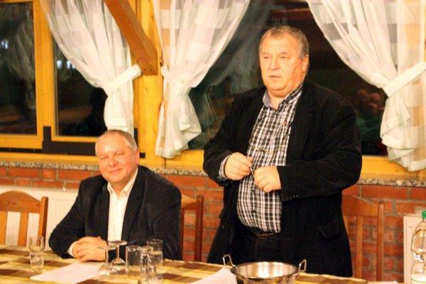 Hostí na žrebovaní privítali Tibor Rábek a Ladislav Kokeš (vpravo).