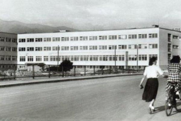 Poliklinika v roku 1961.