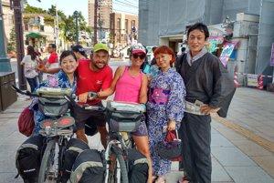 Japonci sú veľmi milí a zdvorilí.