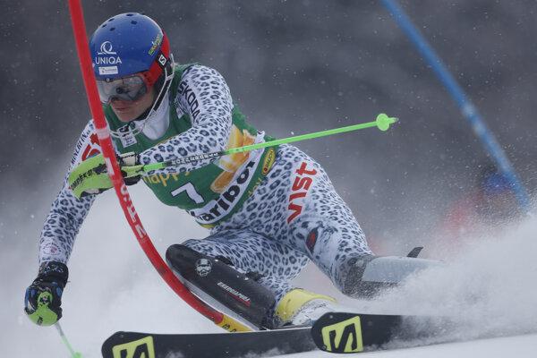 Slovenská lyžiarka Veronika Velez-Zuzulová na trati 1. kola slalomu Svetového pohára žien v alpskom lyžovaní v slovinskom Maribore.