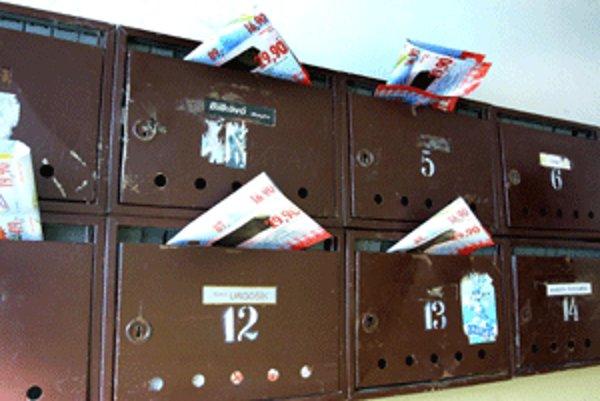Signálom, že sme na dovolenke, môže byť pre zlodejov aj preplnená schránka.